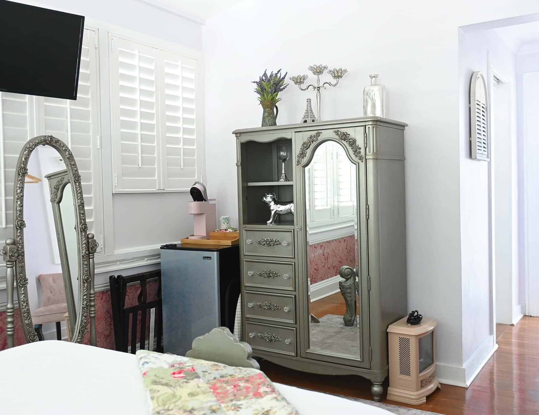 Sun Room - Romantic Key West Lodging near Old Town
