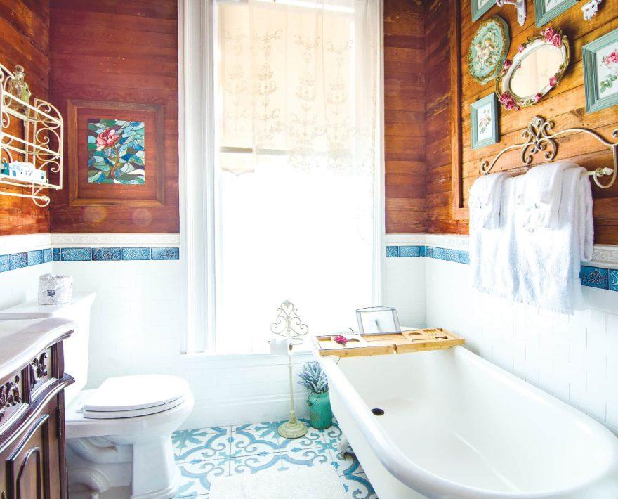 Anne Suite Bath