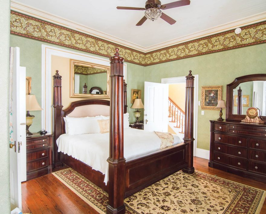 Parlor Suite Bed